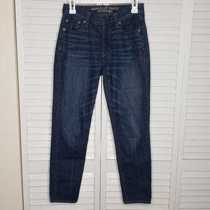 AE Vintage Hi-Rise Dark Wash Mom Jean Sz 0 Regular